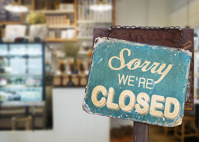 Covid 19 closed sign